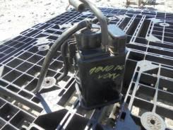 Фильтр паров топлива. Toyota Voxy, AZR65 Двигатель 1AZFSE