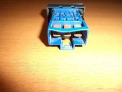 Кнопка включения обогрева. Nissan Liberty, PM12, RM12