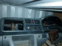 Панель приборов. Mazda Bongo Friendee, SGLR Двигатель WLT