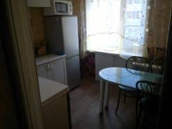 1-комнатная, улица 2-я Линия 7. 30,0кв.м. Кухня