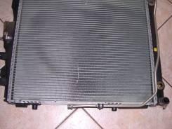 Радиатор охлаждения двигателя. Mercedes-Benz E-Class, W124 Двигатели: 104, 103
