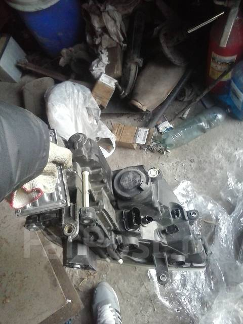 Фара. Volkswagen Phaeton, 3D2 Двигатели: AJS, AYT, BAN, BGH, BGJ, BKL, BMK, BRK, BRN, BTT, CARA, CEXA