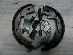 Колодки ручника правые RAV-4