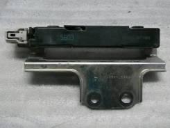 Антенна открывания багажника RAV-4