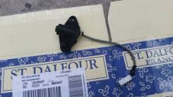 Кнопка открывания багажника. Mazda Demio, DY3R, DY5W, DY3W, DY5R