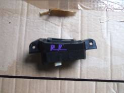 Кнопка стеклоподъемника. Subaru Legacy B4, BLE Subaru Legacy, BPH, BLE, BP5, BL5, BP9, BL9, BPE Двигатели: EJ20X, EJ20Y, EJ253, EJ255, EJ203, EJ204, E...