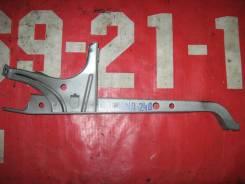 Планка замка капота Toyota Caldina #ZT240
