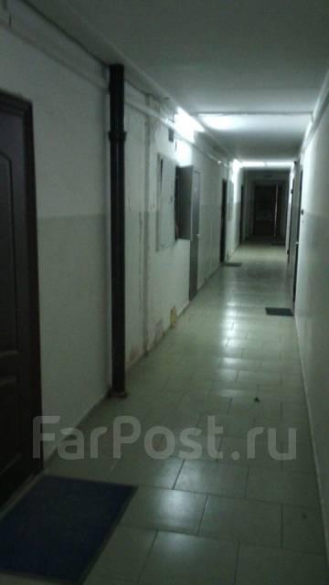 2-комнатная, улица Аллилуева 12а. Третья рабочая, 60 кв.м. Подъезд внутри