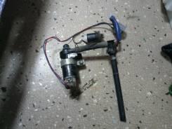 Мотор стеклоочистителя фар. Mazda