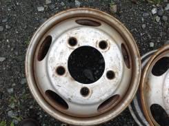 Nissan. x17.5, x197.00х5, ET115, ЦО 146,0мм.