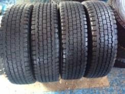 Bridgestone Blizzak Revo 969. Зимние, 2012 год, износ: 5%, 4 шт