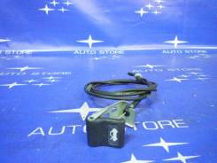 Ручка открывания капота. Subaru Forester, SG5, SG9, SG, SG9L Двигатели: EJ203, EJ202, EJ25, EJ205, EJ204, EJ254, EJ253, EJ201, EJ255, EJ20