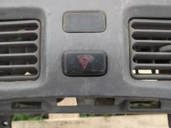 Кнопка включения аварийной остановки. Toyota Corolla Spacio, AE115, AE111N, AE111 Двигатели: 7AFE, 4AFE