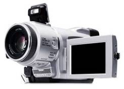 Sony DCR-TRV60E. Менее 4-х Мп, с объективом