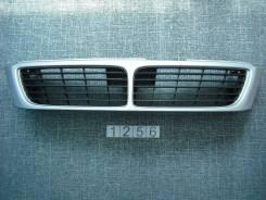 Решетка радиатора. Nissan Bluebird, EU14
