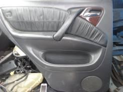 Обшивка двери. Mercedes-Benz M-Class, W163