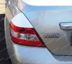 Накладка на фару. Nissan Tiida Latio, SNC11, SC11, SJC11