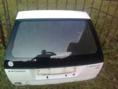 Дверь багажника. Mitsubishi Libero