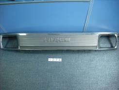 Решетка радиатора. Toyota Hiace, LH123V, RZH112K, LH119V, RZH102V, LH109V, LH129V, LH125, RZH122V, LH115, LH102V, LH113V, RZH112V, RZH102, LH110G, RZH...