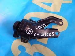Подушка двигателя. Toyota Sprinter, CE104