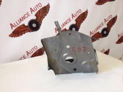Кронштейн под аккумулятор. Honda CR-V, RD7, RD6, RD5 Двигатели: K20A, K24A