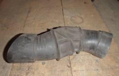 Патрубок воздухозаборника. Лада Калина, 1118