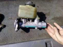 Цилиндр главный тормозной. Toyota 4Runner, VZN130 Двигатель 3VZE