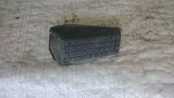 Подставка под ногу. Toyota Corolla Fielder, ZZE122 Двигатель 1ZZFE