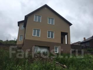 Жилой дом. 200-300 кв. м., 2 этажа, 6 комнат, кирпич