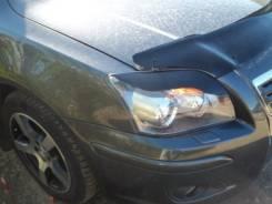 Накладка на фару. Toyota Avensis, AZT250