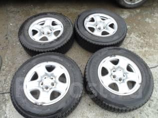 Комплект зимних колес на штампованных дисках 215/70R16 во Владивостоке. 6.5x16 5x114.30 ET29