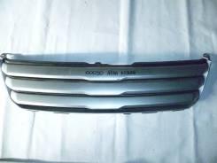 Решетка радиатора. Toyota Noah, AZR60