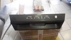 Вставка багажника. Toyota Gaia