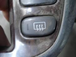 Кнопка включения обогрева. Nissan Serena, RC24, PNC24, PC24, TC24, VC24, TNC24, VNC24 Двигатели: SR20DE, QR20DE, QR25DE