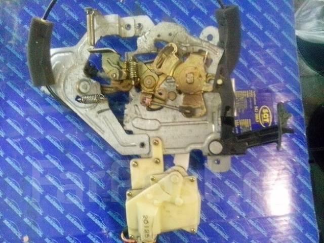 Замок двери. Honda Mobilio, DBA-GB2, DBA-GB1, LA-GB1, UA-GB1, CBA-GB1, LA-GB2 Двигатель L15A