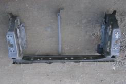 Рамка радиатора. Toyota Ractis, NCP100, NCP105 Двигатель 1NZFE