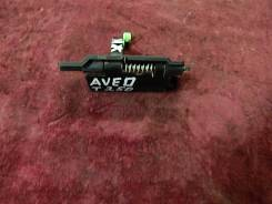 Ручка открывания багажника. Chevrolet Aveo, T250