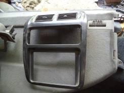 Консоль панели приборов. Toyota Town Ace Noah, CR50