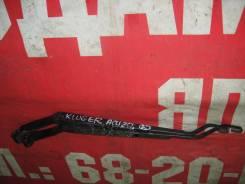 Держатель щетки стеклоочистителя Toyota Kluger ACU20