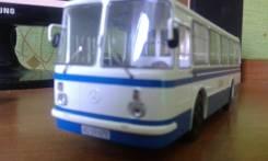 Модель ЛАЗ 695 в масштабе 1:43
