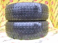 Kumho I'Zen WIS KW19. Зимние, шипованные, износ: 50%, 2 шт