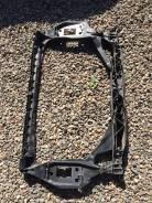 Рамка радиатора. Audi Q3
