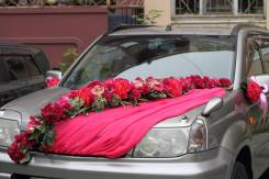 Свадебное украшение на машину