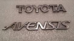 Накладка крышки багажника. Toyota Avensis