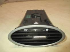Дефлектор воздушный в торпедо 2008-2011 Ford Focus II