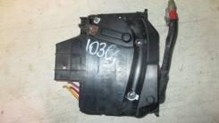 Блок предохранителей под капотом Ford Kuga II 2012-