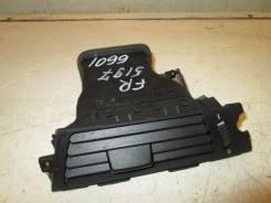Дефлектор торпедо правый 2005-2011 BMW E90