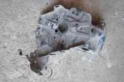 Крепление аккумулятора. Honda CR-V, RE4, RE3