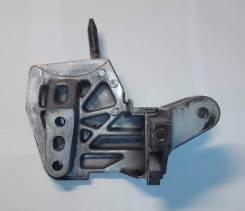 Кронштейн крепления двигателя 11910-PLC-000 11910-PLC-010. Honda: Civic Ferio, Civic, Stream, Edix, FR-V Двигатели: D17A2, D17A8, D14Z6, D17Z1, D15Y3...