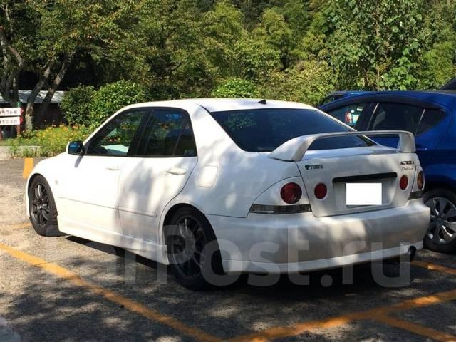 Порог пластиковый. Lexus IS200, GXE10 Lexus IS200 / 300 Toyota Altezza, GXE10, SXE10 Toyota Altezza Wagon